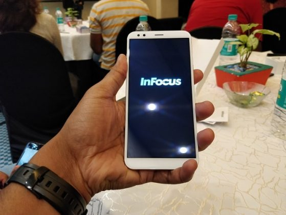 InFocus Vision 3 Review - A Bezel Less Budget Phone With Long Battery Backup - Unboxing techinfoBiT