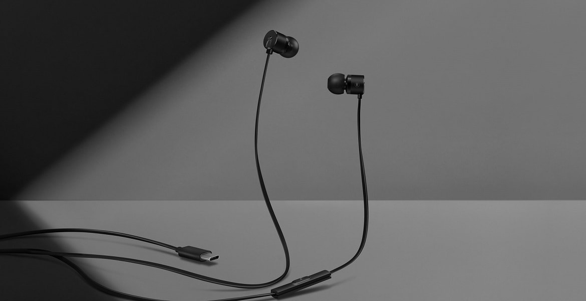 Type-C Bullets Earphones OnePlus 6T, A Refreshed Version Of OnePlus 6 Is Here With 3700mAh Battery-techinfoBiT-technology Blog India
