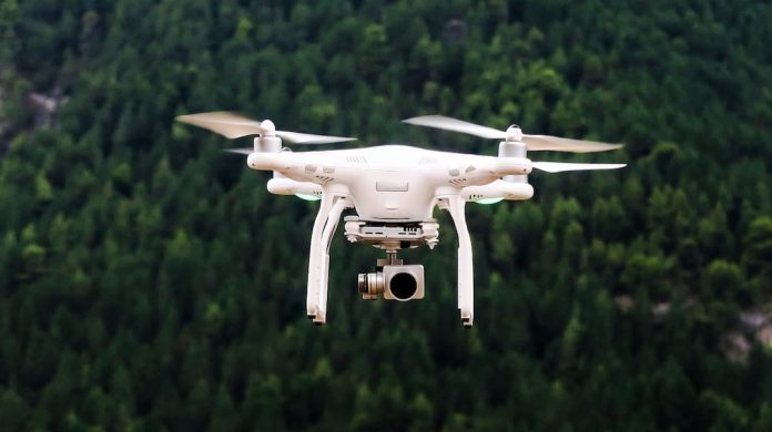 7 Tips to Know How Long Do Drones Fly. Battery Life, The Weight of the Drone, Weather Condition, Controller Inputs, Propeller Guards.-techinfoBiT
