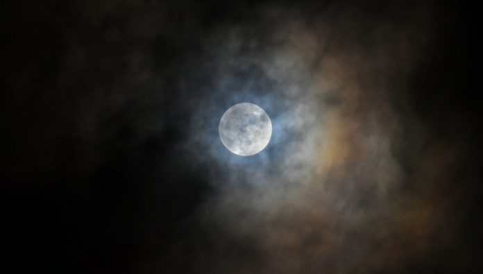 The FirstPenumbral Lunar Eclipse of 2020 on January 10, Check India Time